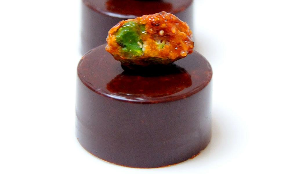 bonbon-chocolat-noir-pistache-3