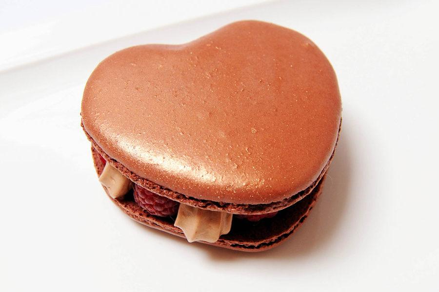 Recette du Macaron de Saint Valentin Chocolat-Gingembre et framboises